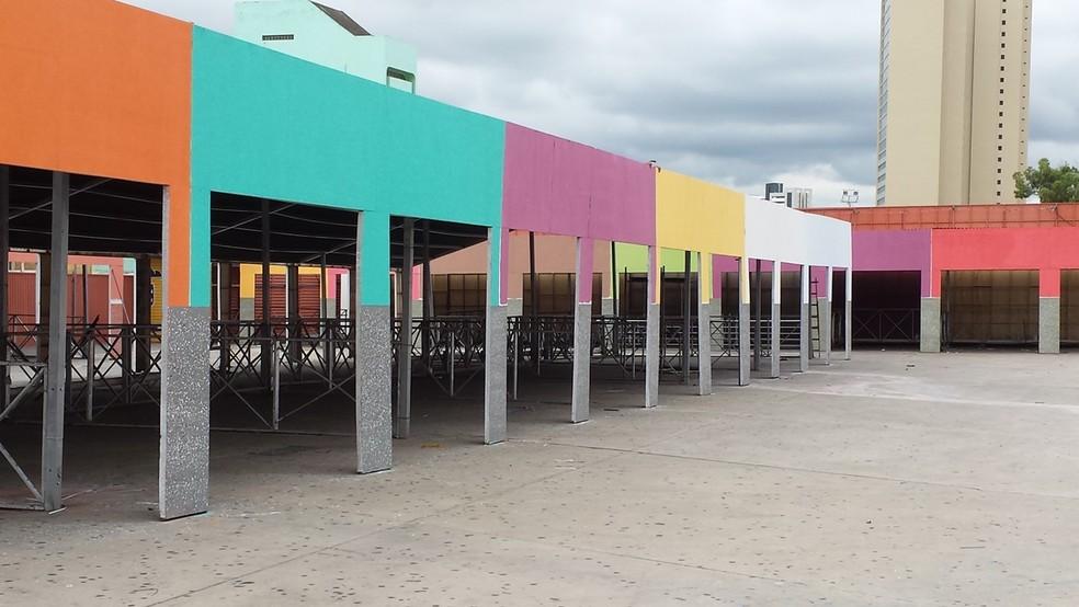 Barracas e restaurantes vão ter restrições para uso de mesas na parte da frente do Parque do Povo, no São João  (Foto: Artur Lira/G1)