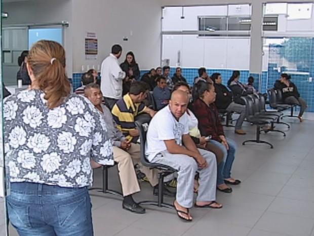 No fim de semana, UPA teve que ser fechada por falta de médicos (Foto: Reprodução/TV TEM)