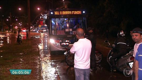 Chuva forte em São Paulo deixa ao menos 2 mortos e 3 feridos
