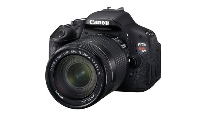 Contando com um monitor LCD articulado, a Canon EOS REBEL T3i é mais um excelente modelo de sua série (Foto: Divulgação/Canon)