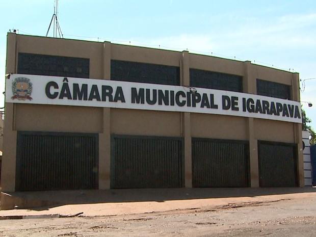 Em Igarapava, moradores fazem abaixo-assinado para diminuir salários dos parlamentares (Foto: Reprodução/EPTV)