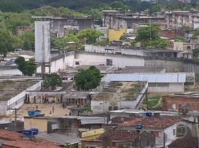 Complexo Prisional do Curado fica localizado na Zona Oeste do Recife (Foto: Reprodução/TV Globo)