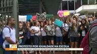 Alunos do colégio Santo Inácio protestam por conta do uniforme escolar
