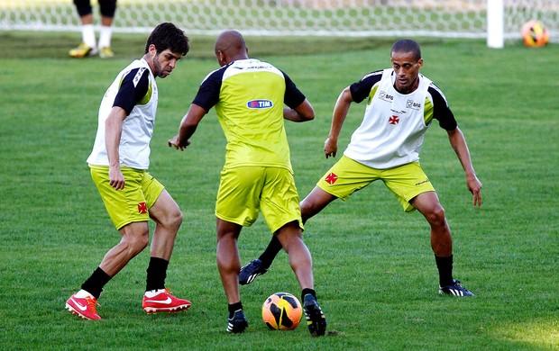 Juninho Pernambucano treino Vasco (Foto: Cezar Loureiro / Agência O Globo)