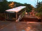 Ponte que caiu após chuva terá obra em 15 dias em Ribeirão, diz secretário