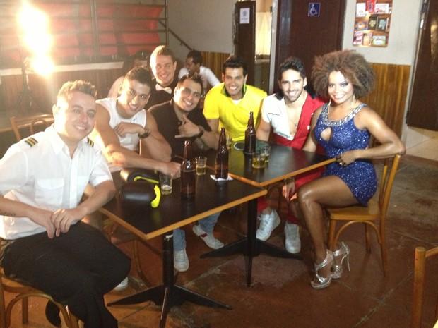 Adriana Bombom grava clipe de grupo de pagode (Foto: Savanan Almeida/ divulgação)