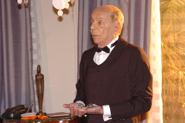 Alfred (Italo Rossi) em Senhora do Destino (Foto: Globo / João Miguel Júnior)
