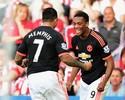 Lá e cá: Martial e De Gea decidem, e United cola no City com vitória fora