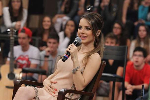 Sandy grávida participa do programa Altas Horas em 2014 (Foto: Reprodução)