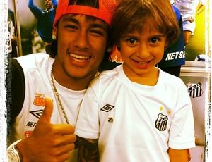 Neymar e Patrick, filho de Belletti (Foto: Reprodução do Twitter)