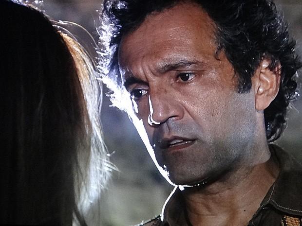 Zyah diz a Bianca que está mal por causa de Ayla (Foto: Salve Jorge/TV Globo)