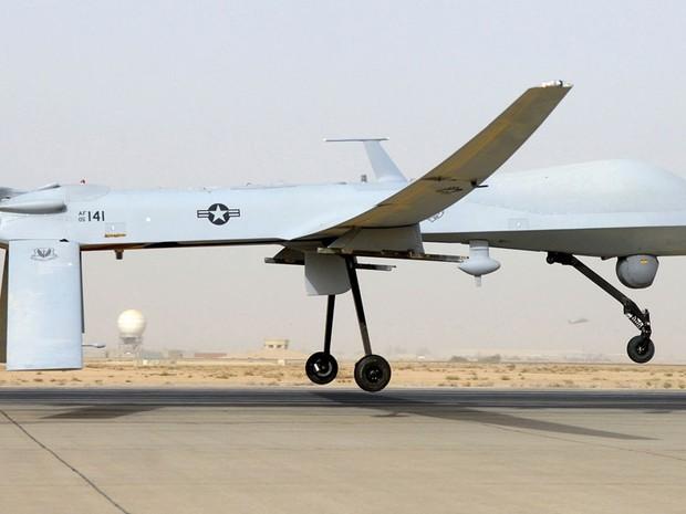 Drone Predator, dos EUA, é usado com mísseis em ataques contra terroristas no Oriente Médio