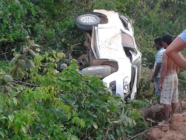 Prefeita de Bom Jesus das Selvas sofre acidente na BR-222