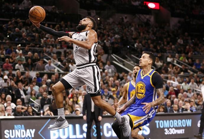Patty Mills foi o grande destaque do jogo entre Spurs e Warriors (Foto: Reuters)
