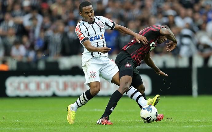 elias marcelo Atlético-PR x Corinthians (Foto: Getty Images)