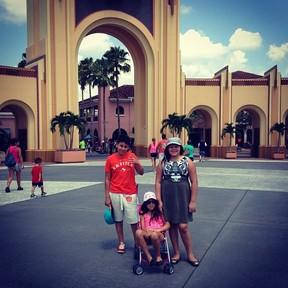 Ryan, Aysha e Pyetra, filhos de Simony, em Orlando, nos Estados Unidos (Foto: Instagram/ Reprodução)