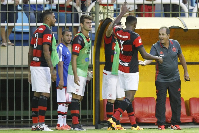 Marcelo Cirino e Muricy Ramalho - Flamengo x Resende (Foto: Gilvan de Souza / Flamengo)