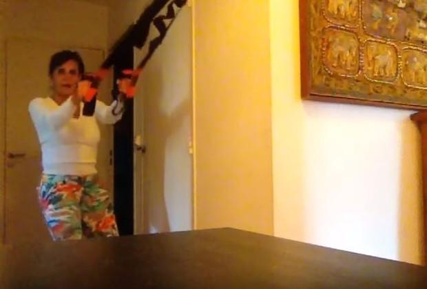 Gretchen em vídeo do seu canal no youtube (Foto: Reprodução / Youtube)
