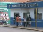 Dois são presos por suspeita de atear fogo na Prefeitura de Restinga, SP