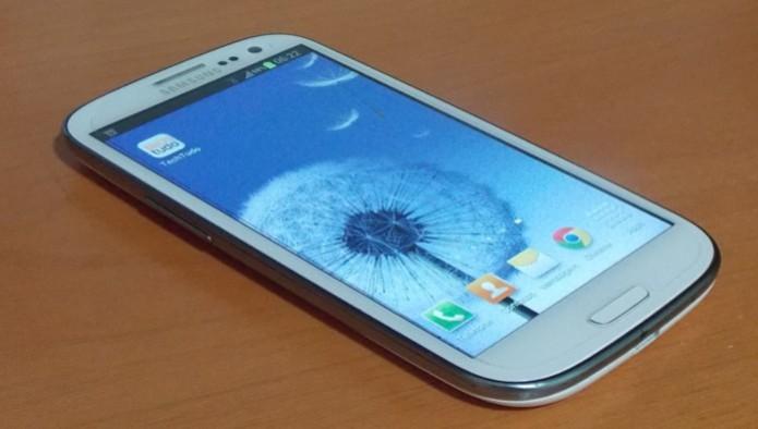O Samsung Galaxy S3 alcançou a marca de 30 milhões de vendas no final de 2013 (Foto: Reprodução/Daniel Ribeiro) (Foto: O Samsung Galaxy S3 alcançou a marca de 30 milhões de vendas no final de 2013 (Foto: Reprodução/Daniel Ribeiro))