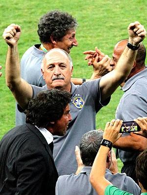 Felipão comemoração Brasil Uruguai (Foto: Reuters)