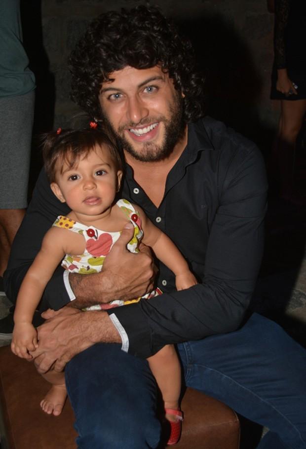 Jesus Luz e a filha, Malena (Foto: Felipe Souto Maior/AgNews)