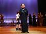 Beatriz Segall completa 89 anos e recebe famosos na plateia do teatro