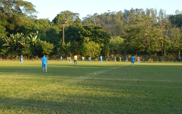 Jogadores do Novo Esporte durante o coletivo. (Foto: Kaleo Martins / Globoesporte.com)