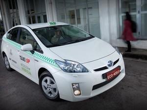 Prius vira táxi em São Paulo (Foto: Divulgação)