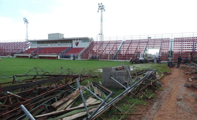 Estádio dos Amaros, Itápolis, Oeste, reforma (Foto: Sérgio Pais)