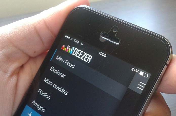 Deezer: compartilhe no Facebook faixas reproduzidas no smart (Foto: Marvin Costa/TechTudo)