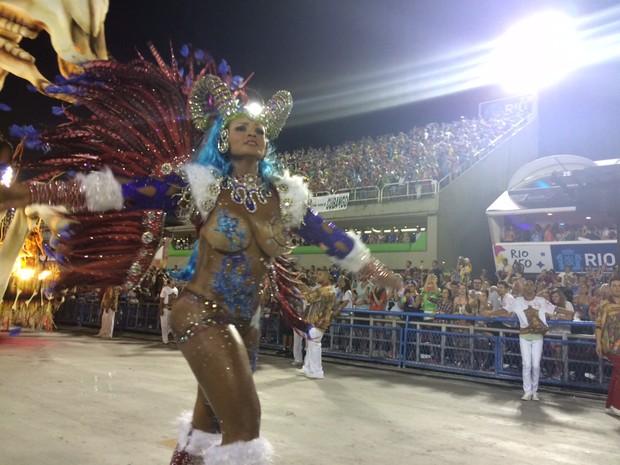 Andreia Martins, musa da Unidos de Padre Miguel (Foto: Gabriel Barreira / G1)