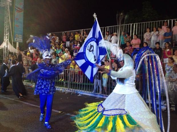 Cultura de Araquari foi cantada na passarela (Foto: Kleber Pizzamiglio/RBS TV)