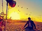 Jesus Luz madruga para fotografar na praia e mostra os bastidores