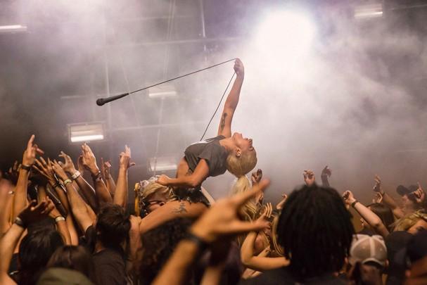 """Lady Gaga em """"Perfect Illusion"""" (Foto: Divulgação)"""