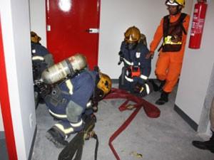 Bombeiros fazem treinamento contra incêndio no DF (Foto: Corpo de Bombeiros/Divulgação)