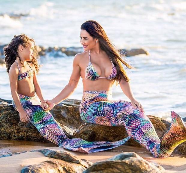Sheila Carvalho e a filha (Foto: Reprodução / Instagram)