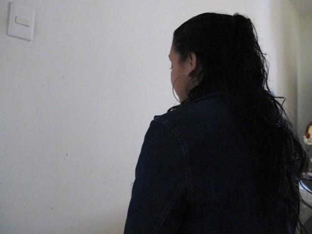Silicone de R$ 12 mil provoca 'furo' em bumbum de ex-modelo em Santos, SP  (Foto: Mariane Rossi/G1)