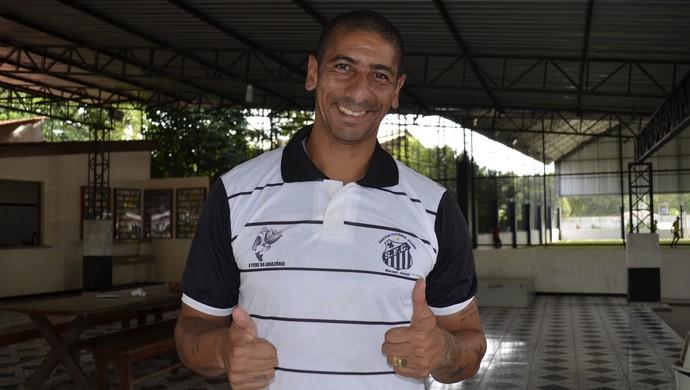 Uruguaio Acosta está de volta, e é o novo reforço do Santos/AP para temporada (Foto: Jonhwene Silva/GE-AP)