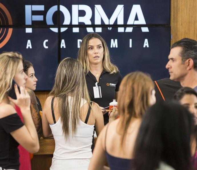 Bárbara se desespera ao ver Ricardo  (Foto: Felipe Monteiro/Gshow)