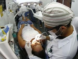 Serviços de saúde foram oferecidos neste domingo (12) (Foto: Mateus Pereira/GOVBA)