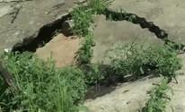 Rachaduras em barragem preocupam (Reprodução/TV Paraíba)