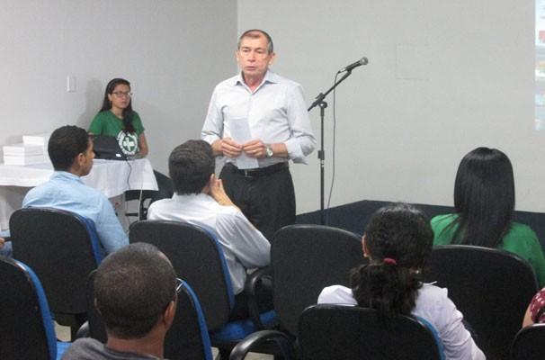 Colaboradores da TV Clube participam de palestra sobre saúde alimentar. (Foto: André Santos/TV Clube)