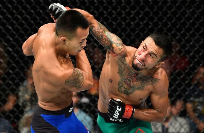 Alejandro Perez x Andre Soukhamthath UFC México (Foto: Getty Images)