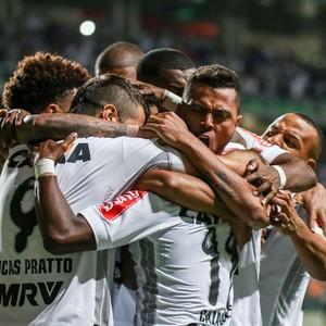 Jogadores do Atlético-MG comemoram gol de Cazares no Independência (Foto: Bruno Cantini/Atlético-MG)