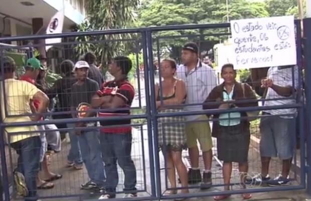 MP-GO pede suspensão do edital de chamamento de OSs na Educação em Goiás (Foto: Reprodução/TV Anhanguera)