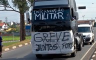 Caminhoneiros protestam contra o aumento do diesel em rodovia que liga Mogi a Suzano