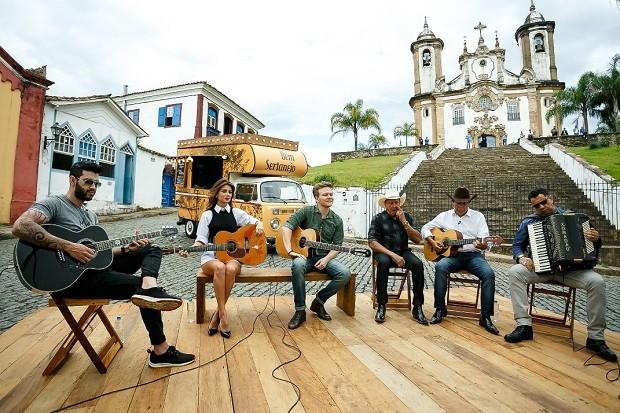 No segundo episódio do Bem Sertanejo, Michel Teló encontra Paula Fernandes, Gusttavo Lima e o Trio Parada Dura (Foto: Deivid Correia/Globo)