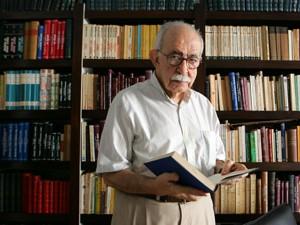 Escritor Autran Dourado morreu em casa neste domingo (30) (Foto: Fábio Motta/ Agência Estado/AE)