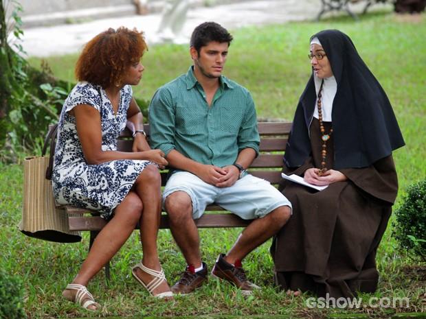 André fica sem esperanças por não encontrar pistas de seu passado (Foto: Pedro Curi/ TV Globo)